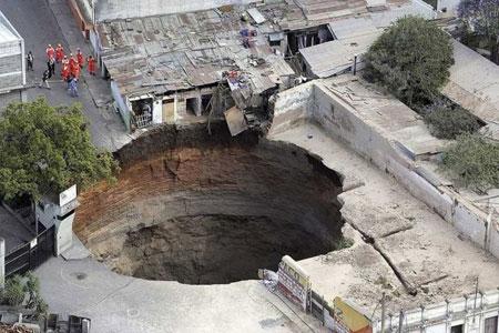 Lubang besar di Guatemala